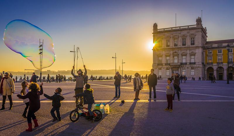 Best of Lisbon Street Art Soap Bubbles Photography 7 By Messagez com