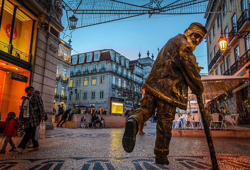 The Flying Man 3 Best Lisbon Street Art Photography By Messagez.com