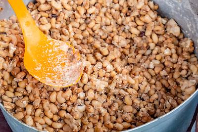 Ewa Agoyin - boiled brown beans