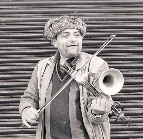 Stroth Vilolin Player.  Glasgow.