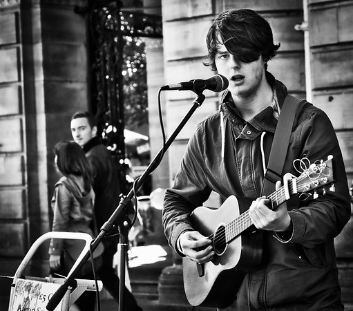 Acoustic Guitar Player.  Glasgow.