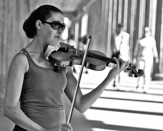 Violinist,  Brandenburg Gates.  Berlin.