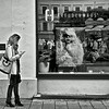 Texting 1 .   Munich.