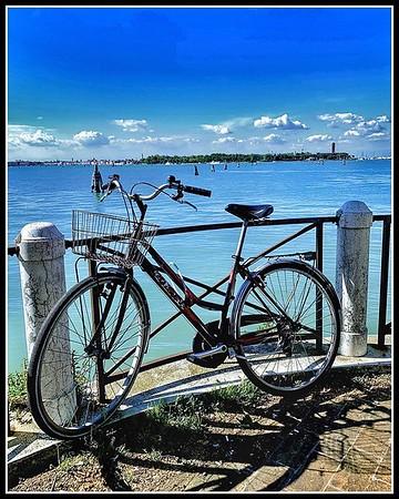 Cycle Time - Edinburgh Festival of Cycling 6-16 June @edfoc #edfocatstills #cycle #cycling #streetphotography @StillsEdinburgh #bicycle #venice #venizia #grandcanal
