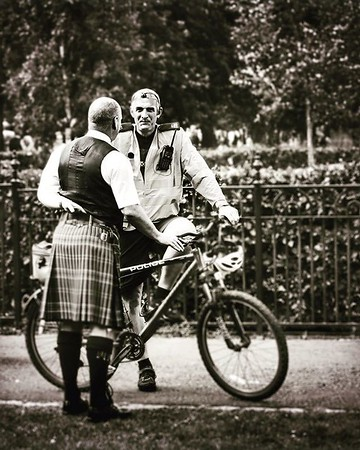 Edinburgh Festival of Cycling 6-16 June @edfoc #edfocatstills #cycle #cycling #streetphotography @StillsEdinburgh #bicycle