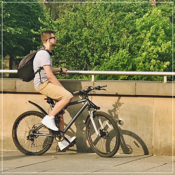 An Edinburgh Cyclist