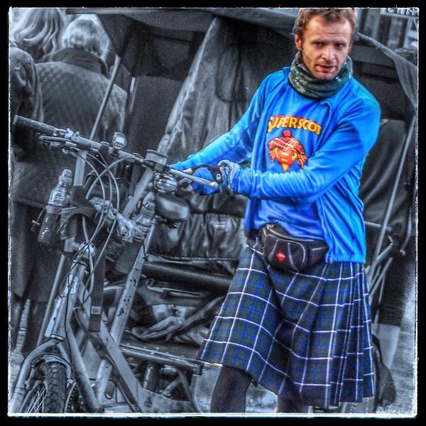 Edinburgh solves transport crisis #edinburgh #rickshaw #cycle #male #kilt #tights