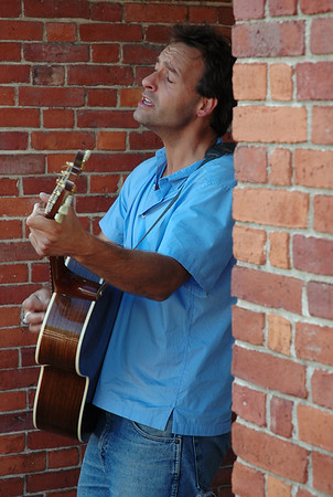 Street musician Bill Foley  performs in Market Square Saturday afternoon September 1st 2007