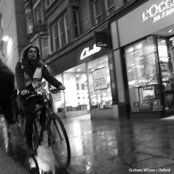 Early evening Oxford cyclist