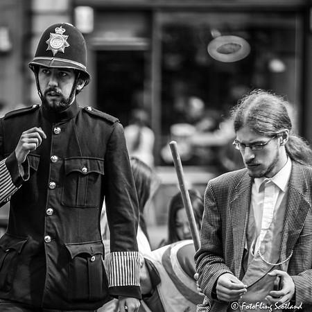 Policeman & Suspect