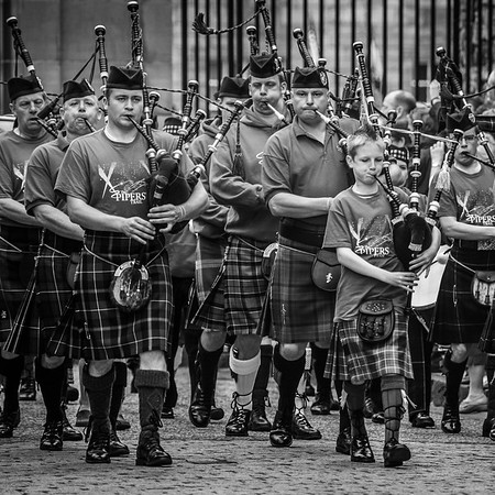 Pipes on the march