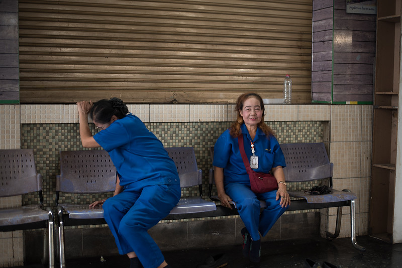 Workers at Hua Lumphong Train Station in Bangkok, Thailand. January 30, 2018. Photo by Lorelei Trammell
