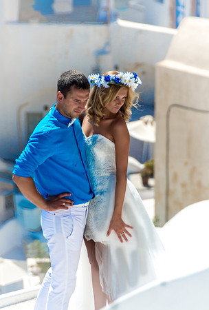 Wedding couple is Oia, Santorini, Greece