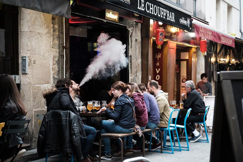 People watching at Brewberry Beer Cellar | Paris, France | September 2018