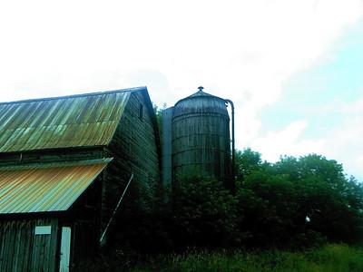 0280 A Rustic Barn and Silo