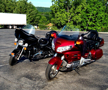 And there we have it!  From right to left - Beauty and the Beast.  Kevin's Gold Wing and Doug's rented Harley.  Doug was good.  He didn't ride in the dirt with it or anythng!