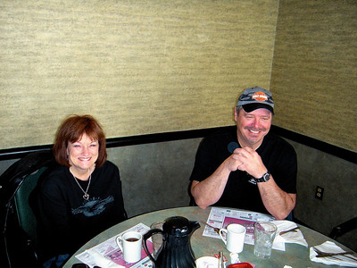Sharon and Dan showed up for breakfast at the Starlite Diner along with 20 other people.  The manager, Ron, asked us to call ahead and let him know in advance next time.  Who knew?