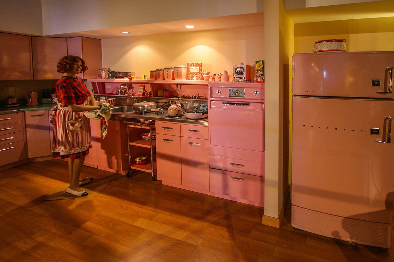 "Yes, this is pretty much what a ""modern"" kitchen looked like back in 1957."