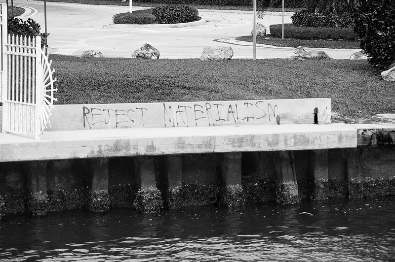 The voice of one crying in the wilderness: grafitto on the Intracoastal seawall in Boca Raton