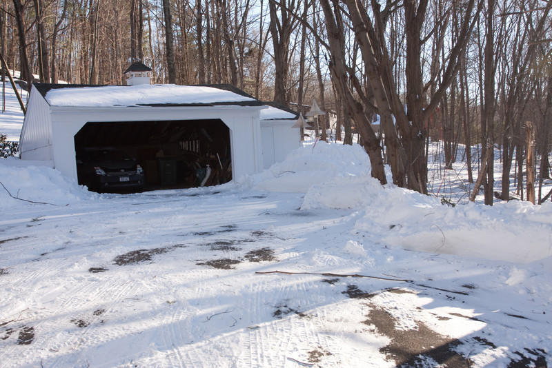 19 Rock Hill Rd - Bedford, NY - High Winds of Blizzard Blew Almost All Snow Off the Roof and Tree Limbs