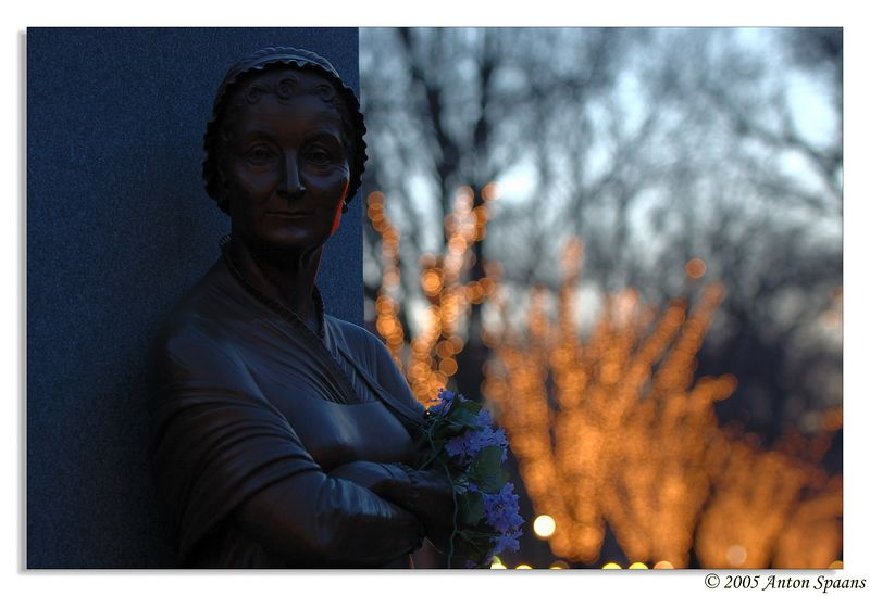 Commonwealth Avenue.<br/> Women's Monument