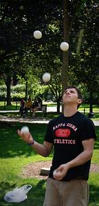 Juggler in Boston Gardens