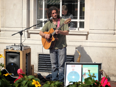 Hereford Street Musician - with a great voice