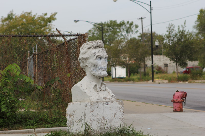 This bust of Abraham Lincoln sits on the corner of 69th and Wolcott. It was put there in 1923. The lot behind was the Lincoln Gas Station. The owner, Phil Blomquist, commissioned and had the statue placed on the parkway.