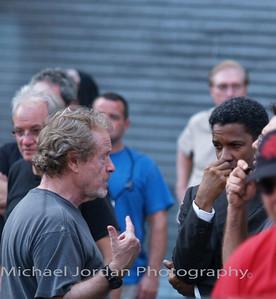 Denzel Washington and Ridley Scott in American Gangster