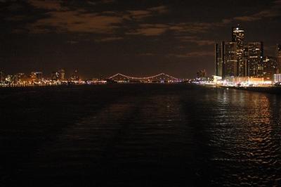 Detroit at Night_7