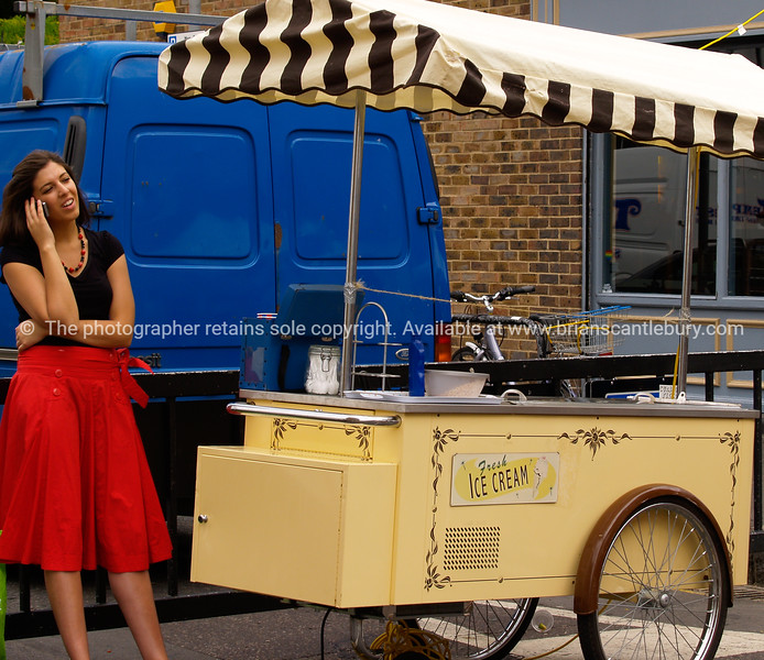 Ice Cream vendor, photograph London market, A view of the UK