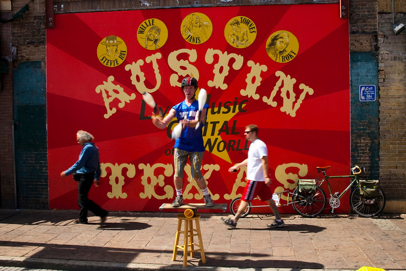 Street Performer on 6th Street during Pecan Street Festival. Austin,TX