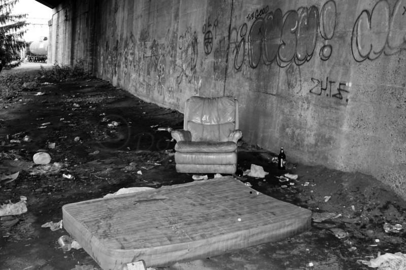 Railside Lounge by