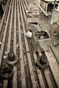 0702-JKT-Rail-Fish-Vil-Tools-6