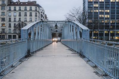 headlights footbridge