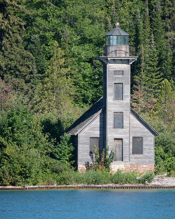 Grand Island East Channel Lighthouse   https://lighthousefriends.com/light.asp?ID=726