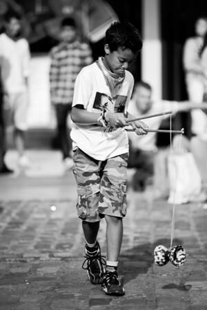 An improvised street artist