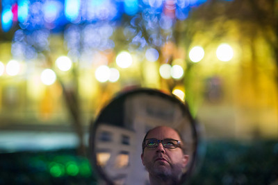 contemplating bokeh at 4000