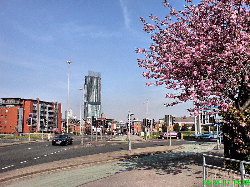 A shot of Manchester's tallest building towards the end of Spring (taken from the end of Chester Road, approaching Deansgate.