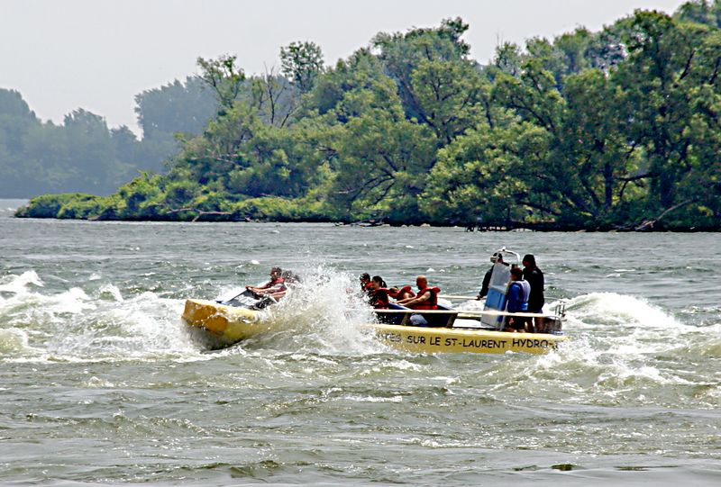Rafting at the rapids of St. Lawrance River