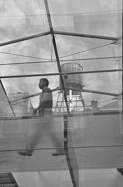 012  New York - Soho, water tank Apple Store