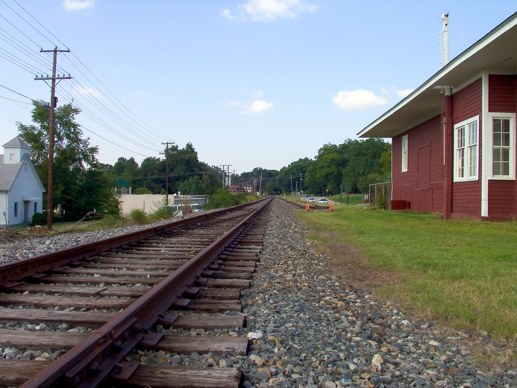 davidson north carolina   nc railroad tracks