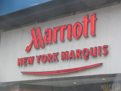 Marriott Marquis, Broadway - Kramer is invited to a dinner in his honor with Mel Torme after Novacaine used at the dentist's office slurs his speech.