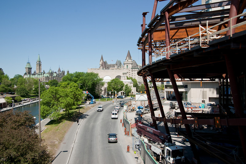 Ottawa's newest monstrosity: the new convention centre, going up just across from the National Arts Centre -- within sight of the Parliament Buildings, the old train station, and the Chateau Laurier.