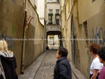 Old lane, Paris, International City.