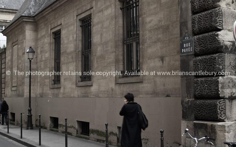 Street scene, old look. Paris, International City.
