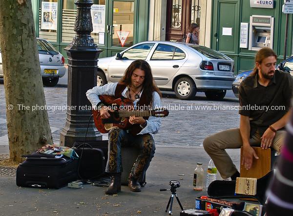 Street musicians, montmatre, Paris, France.