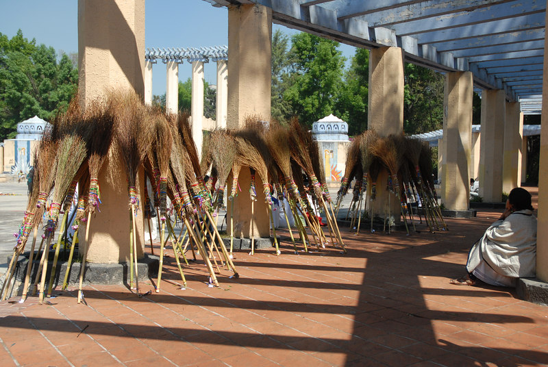 121 brooms for a spiritual cleansing - just another Sunday in Parque México