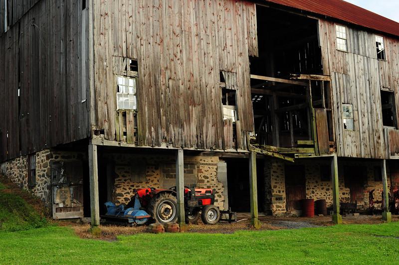 Old barn- PA (Nikon D700, 50mm)