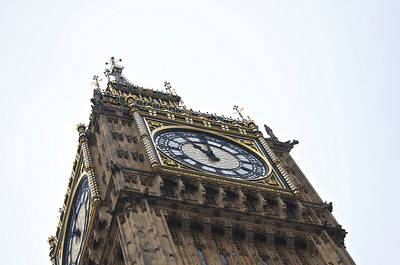 Royal Wedding – the time of service on Big Ben.